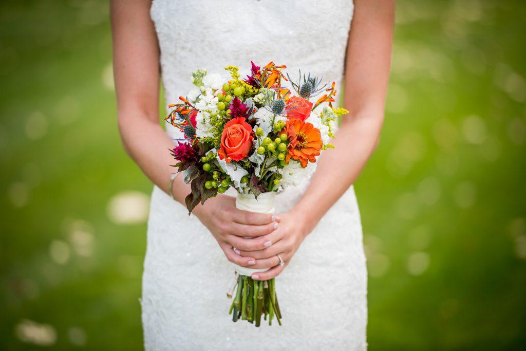 Florystyka ślubna – jakie kwiaty są popularne?