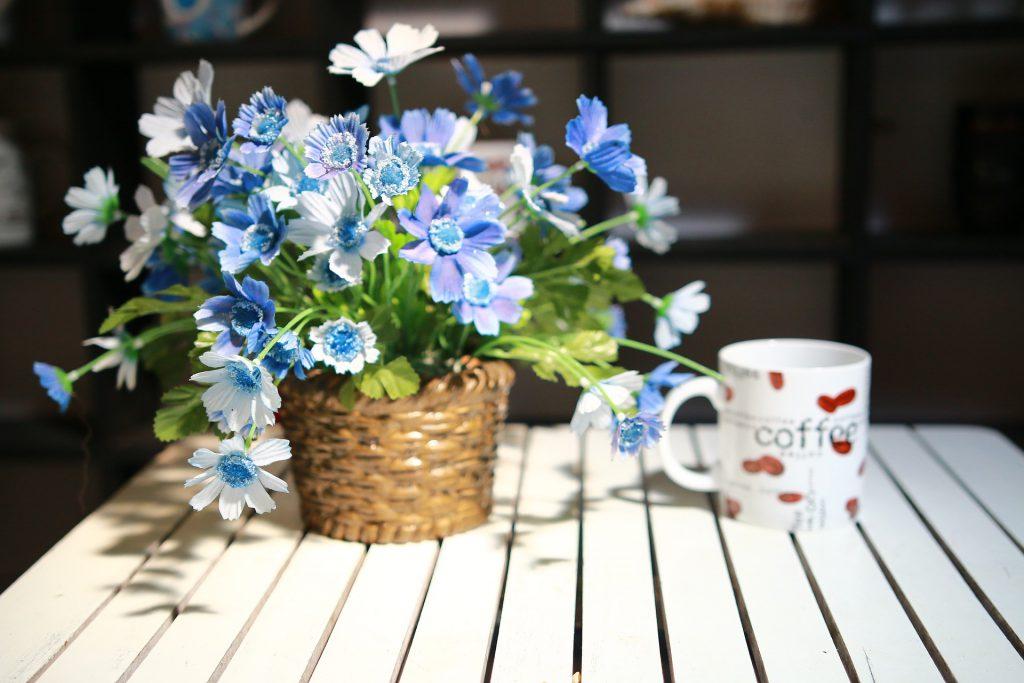Kwiaty dostępne w kwiaciarniach w określonych porach roku