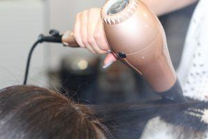 Otwieramy salon fryzjerski: o czym trzeba pamiętać?