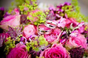Kwiaty na ślub i wesele - jak wybrać dobrą kwiaciarnię?