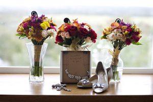 Kwiaty na ślub i wesele – kiedy i gdzie zamówić dekoracje?