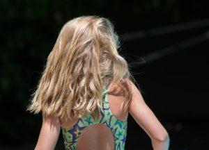 Domowe sposoby na przetłuszczające się włosy (skórę głowy)